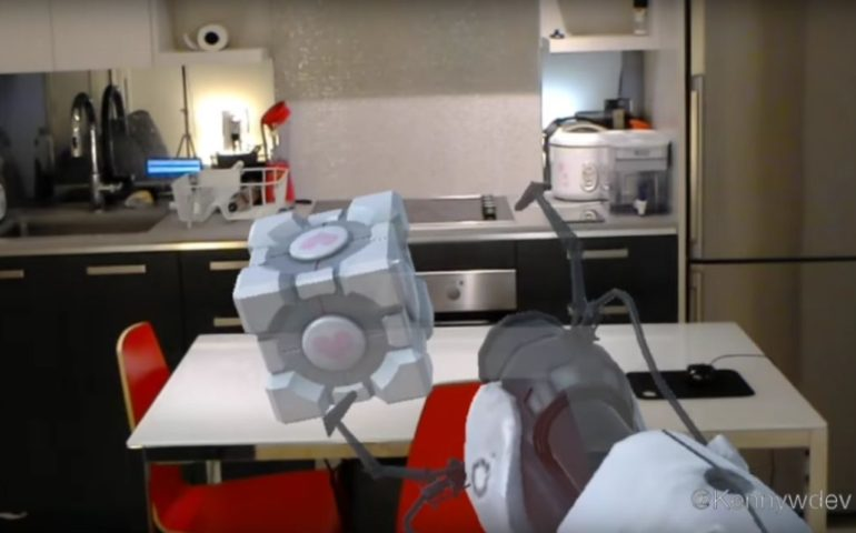 Portal с Microsoft HoloLens видео фото
