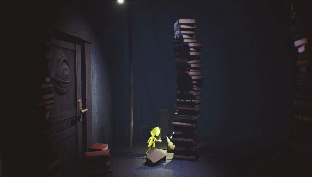 Little Nightmares стопка книг