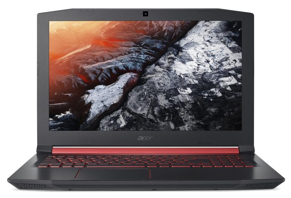 Acer Nitro 5 вид спереди